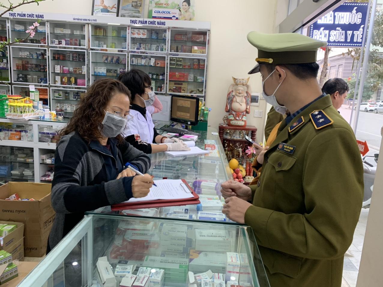 Quảng Ninh: Kiểm soát thị trường khẩu trang, nước sát khuẩn trước diễn biến của dịch bệnh