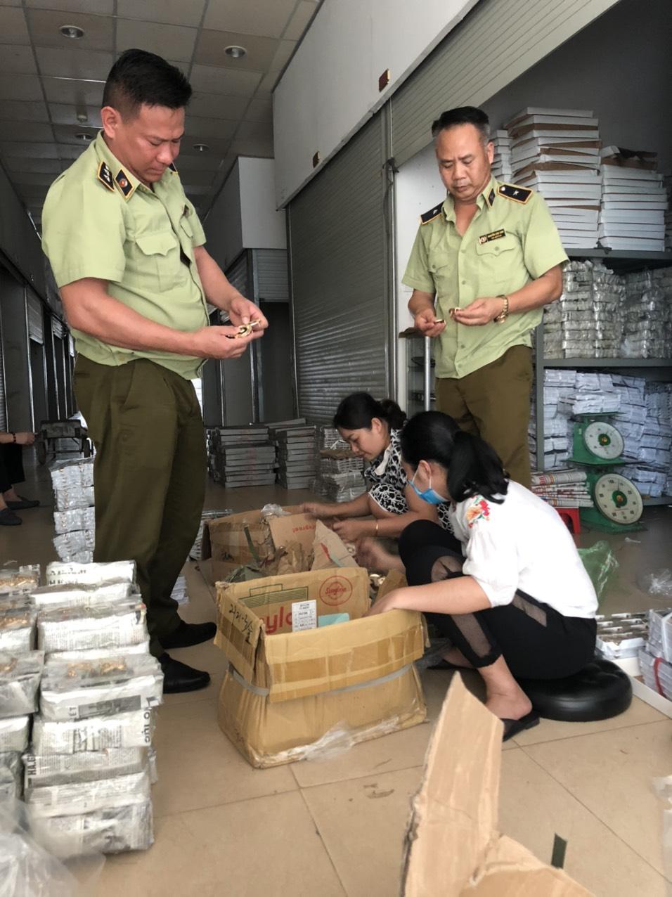 Quảng Ninh phát hiện trên 5.200 sản phẩm giả, nhập lậu